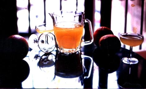 Agua de Valencia et oranges valenciennes. Photo prise à la Cerveceria Madrid en 1989 par Manolo Gil, le fils du créateur du cocktail.