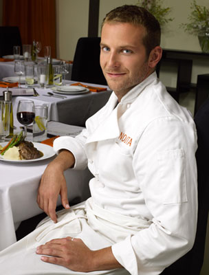 "Bradley Cooper dans ""Kitchen Confidential""."