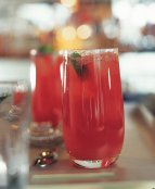 Un Raspberry Rickey. Recette de Ben Reed. (c) William Lingwood/Ryland Peters & Small