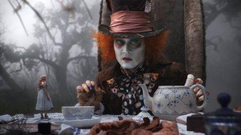 Thé chez le chapelier fou. Alice au pays des merveilles, 2012. (c) Walt Disney