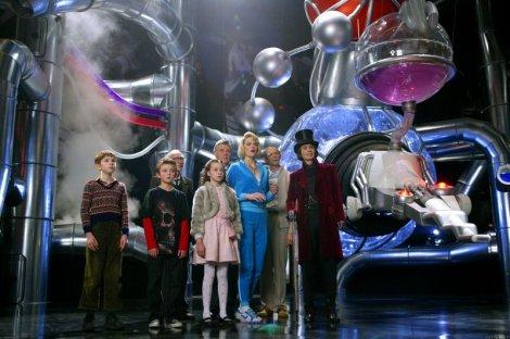 Dans les coulisses de la chocolaterie. (c) Warner Bros., 2005
