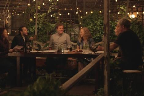 Jack C. Newell, au centre, et ses comédiens, sur le tournage de Open Tables à Chicago. (c) ZAXIE