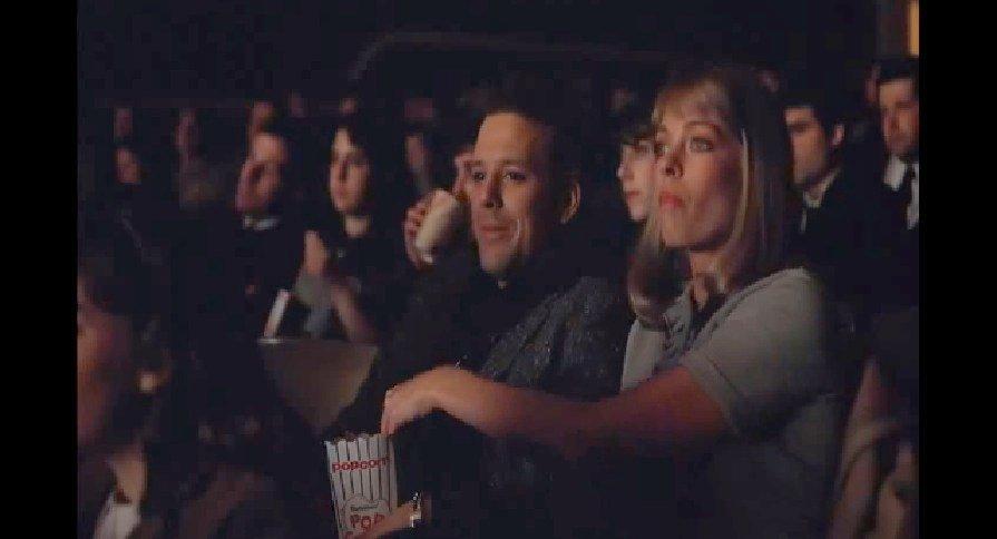 La fameuse scène du popcorn piégé. Diner, de Barry Levinson (1982) avec Mickey Rourke et Kathryn Dowling. (c) MGM