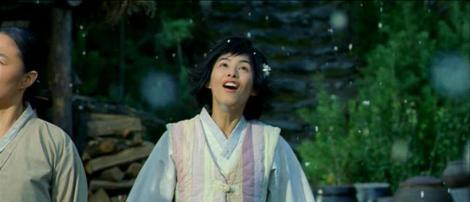 Il pleut du popcorn dans Welcome to Dongmakgol de Park Kwang-hyun (2005).