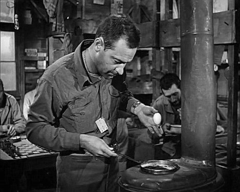 William Holden dans Stalag 17 (1953)