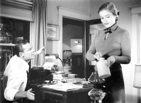 Joe (William Holden), Betty (Nancy Olson) et la cafetière, au premier plan. Sunset Boulevard, 1950. Toutes photos (c) Mirisch Corp.
