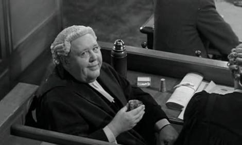Charles Laughton dans Témoin à charge.