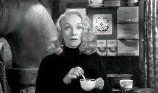 De la lumière au fond du café
