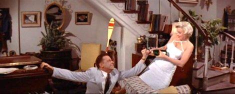 Tom Ewell et Marilyn Monroe dans Sept ans de réflexion (1955)